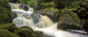 El agua que se mantiene en movimiento, siempre está limpia y cristalina, no hay agua verde si ésta se mueve